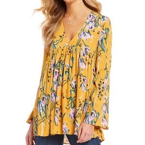 FREE PEOPLE • NWOT • Bella Woven Floral Tunic